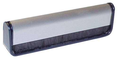 KARBONSZÁLAS TISZTÍTÓKEFE hanglemezek száraz tisztításához ew01000